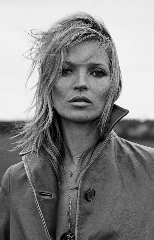 640x1000xkate-moss-outdoor-shoot7.jpg.pagespeed.ic.tx0BxXD8Mx