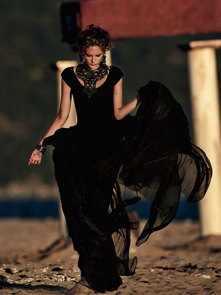 catherine-mcneil-gilles-bensimon-vogue-australia-october-2014-5